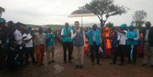 Filipo Grandi s adresse aux réfugiés burundais