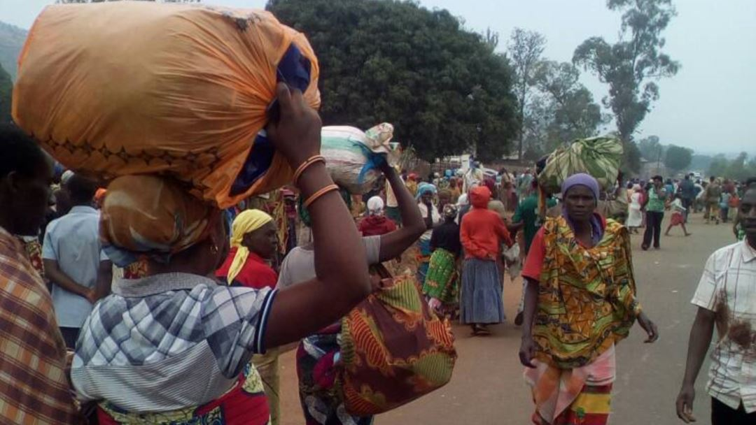 Sud-Kivu : Arrivée dans la cité d'Uvira, de la 5ème vague des déplacés internes en provenance de la localité de Bijombo fuyant les conflits armés à tendance tribale. ( Elie LAMBERT / Ongea )
