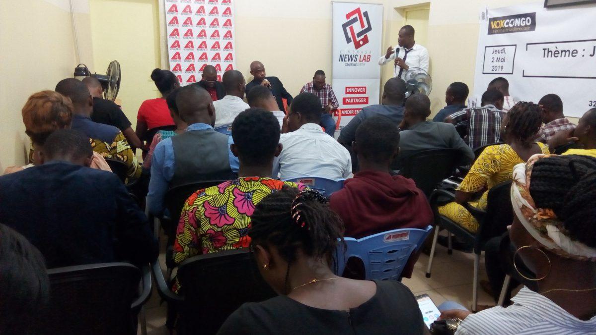 «Journalisme et Elections en temps de désinformation», thème du débat Café presse organisé par Internews à Kinshasa en marge de la Journée Internationale de la Liberté de la Presse.