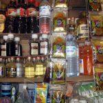 Une gamme de produits alcooliques sur les étalages d'une boutique à Kinshasa CP: DR